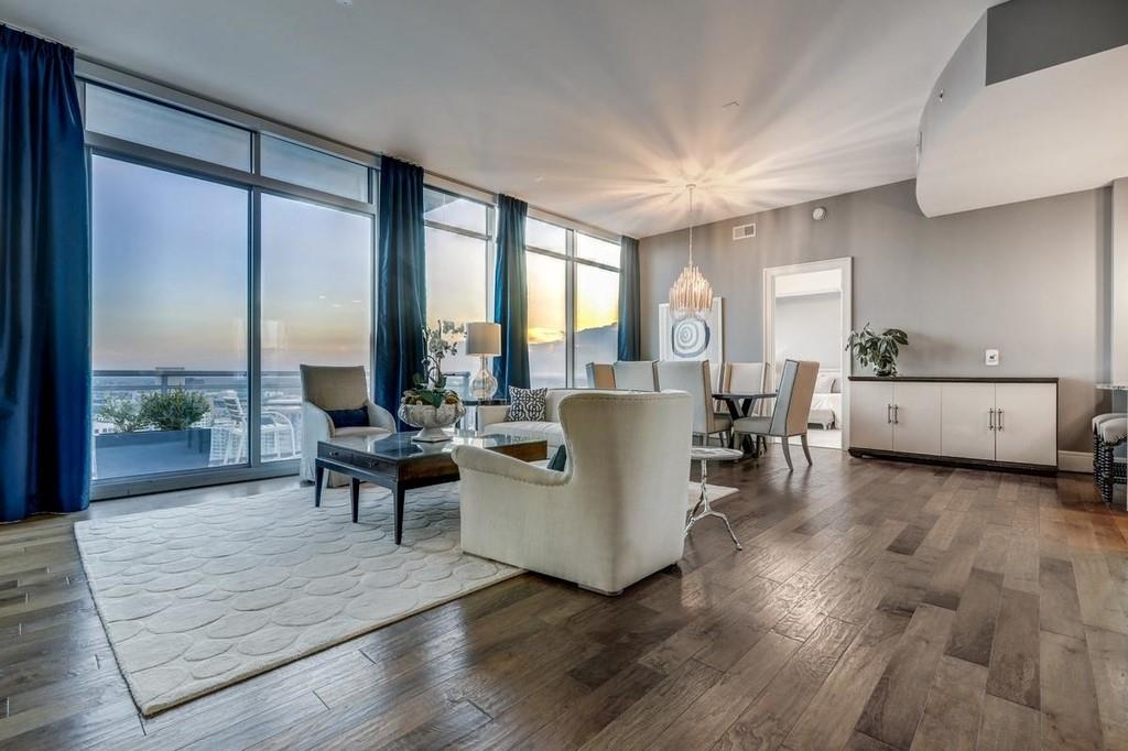 Loews Penthouse 2 Bdrm